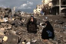 Mercoledì 7 ottobre 2009 nell'ambito dell'edizione <strong>2009/2010 del Festival Architettura</strong>, alle ore 17.30 si terrà l' incontro <em><strong>Confini comunitari</strong></em> con l'architetto e scrittrice palestinese <strong>Suad Amiry</strong>. Alle ore 21 seguirà la proiezione del film <em><strong>Diario da Gaza</strong></em> di <strong>Stefano Savona</strong>, prodotto da Pulsemedia di Reggio Emilia ...